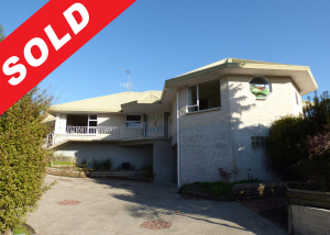 Sold by onsite auction-Netzone real estate