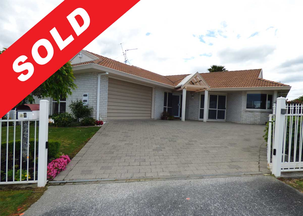 Sold Property by Netzone Real Estate - Sunset close western height Hamilton